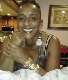 Auntie Fee shows us how to cook great meals at reduced cost! Love Auntie Fee!
