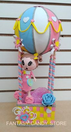 Centro de mesa Nena en Globo.  Ideal para una dulce princesa. Birthday Party Centerpieces, Centerpiece Decorations, Baby Shower Deco, Baby Boy Shower, Handmade Crafts, Diy And Crafts, Hot Air Balloon Cake, Balloon Crafts, Foam Crafts