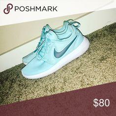 Nike Roshe 💙LIKE NEW💙 Like new teal Nike roshe Nike Shoes Sneakers