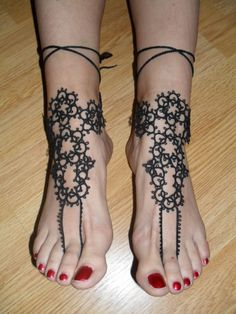 Bracelet de pied en dentelle de frivolité , Sandales bijou de pied au dentelle noire : Bracelet par carmentatting