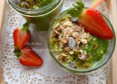 Fee  kitchen: Smoothie au céleri, aux fruits et au müesli  給健康加分...