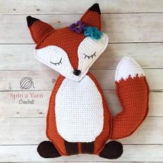 Free crochet pattern for a ragdoll fox by Spin a Yarn Crochet! #crochet #freecrochet #freecrochetpattern #amigurumi Omg, it looks like the fox doll from Detroit: Become Human!!