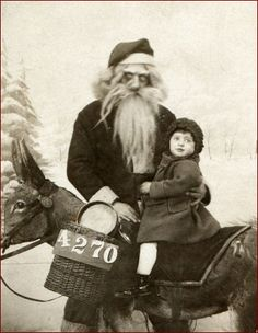 Scary Vintage Christmas | wondering what parent allowed this photo to happen.