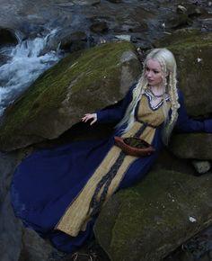 Viking Tunic, Viking Garb, Viking Life, Viking Woman, Tablet Weaving, Hand Weaving, Vikings, Wool Blend, Trending Outfits