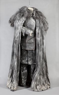Jon Snow's Night's Watch costume keeps him warm up on the Wall. #gameofthrones #jonsnow #nightswatch    PHOTO CREDIT: Chasi Annexy Photography
