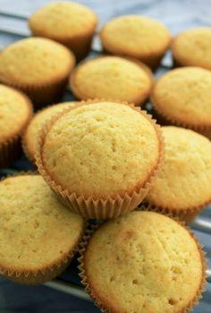 Γλυκές Τρέλες: Πως να κάνετε Muffins με 2 μόνο υλικά !