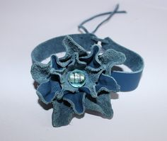 Lederarmbänder - Lederarmband, Lederblume, Blumenarmband, Leder - ein Designerstück von ansche75 bei DaWanda