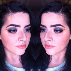 Maquillaje azul cálido!! @aleemiramontes