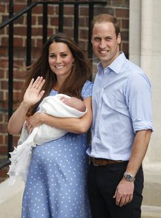 Prince William and Kate Middleton Introduce Royal Baby Prince George Baby, Prince William Et Kate, Prince George Alexander Louis, Kate Middleton Prince William, Baby Prince, William Kate, Baby George, Prince Harry, The Duchess
