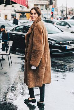 Brown teddy coat, grey turtleneck sweater, black skinny jeans, black gucci loafers - Teddy coat outfit, teddy coat trend, winter fashion, fashion, fashion 2018, fashion trends 2018, street style, casual outfit, casual winter outfit, cozy outfit, comfy outfit, work outfit.