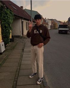Skater Outfits, Mode Outfits, Retro Outfits, Trendy Outfits, Vintage Outfits, Fashion Outfits, 80s Fashion Men, Outfits For Boys, Guy Outfits