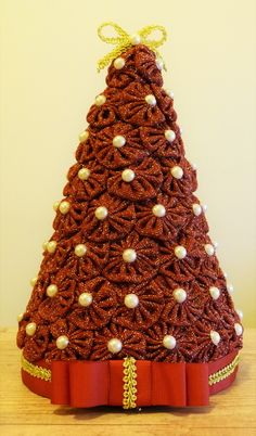 Pin on 2019 Christmas ideas Fabric Christmas Trees, Crochet Christmas Decorations, Xmas Ornaments, Christmas Sewing, Felt Christmas, Christmas Projects, Fabric Crafts, Sewing Crafts, Yo Yo Quilt