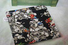 Sandwich Bag  Black with pirate skulls by PookyPacks on Etsy, $7.50 Sandwich Bags, Pirate Skull, My Sister, Skulls, Pirates, Etsy Shop, Crafts, Diy, Stuff To Buy