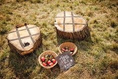 DIY outdoor wedding games are great fun for you and your guests