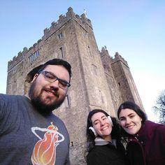 Primeira parada: Bunratty Castle. #Ireland #BunrattyCastle