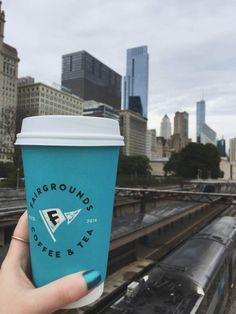 Chicago Coffee Guide: Add these awesome coffee shops in downtown Chicago to your itinerary! Coffee Table Base, Coffee Tables For Sale, Coffee Farm, Hot Coffee, Chicago Coffee Shops, Coffee Around The World, Home Coffee Machines, Coffee Guide, Expensive Coffee