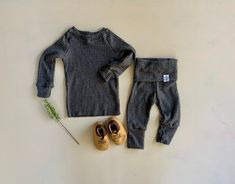 Gender neutral Baby Clothes.Going Home Outfit Newborn Take | Etsy Newborn Clothes Unisex, Gifts For Newborn Boy, Baby Kids Clothes, Baby Boy Newborn, Baby Boys, Baby Going Home Outfit, Take Home Outfit, Fall Family Picture Outfits, Baby Boy Romper