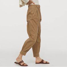 HUNT4SHOP: Pantaloni jogger H&M - 59 ron, Reducere 39 ron! Parachute Pants, Joggers, Khaki Pants, Shopping, Fashion, Moda, Runners, Khakis, Fashion Styles