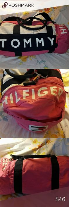 Large Tommy duffle Great for a weekend trip Tommy Hilfiger Bags Travel Bags