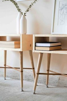 simple furniture How to Build Simple Wood Nightstands Woodworking Furniture, Wood Furniture, Woodworking Projects, Furniture Design, Garden Furniture, Woodworking Jointer, Simple Furniture, Woodworking Classes, Antique Furniture
