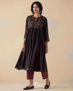 Indian Tunic, Indian Wear, Kurti Styles, Bed Workout, Desert Rose, Asian Style, Comfortable Outfits, Fashion Wear, Western Wear
