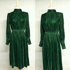 Vintage 70s Dress /  does 40s Deep Dark Hunter Green Panne