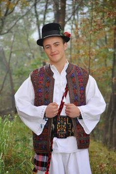 TheOrtodoxia - Google+ Popular Costumes, Folk Clothing, Modern Embroidery, Bucharest, Eastern Europe, Turkey, Around The Worlds, Culture, Traditional
