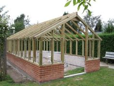 Greenhouse Plans 804033339711671446 - Greenhouse without specifying size Greenhouse Attached To House, Build A Greenhouse, Backyard Greenhouse, Farmhouse Garden, Farmhouse Decor, Lawn Sprinklers, Shed Plans, Bench Plans, Garden Trellis