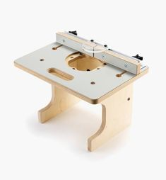 Veritas Table for Compact Routers - Lee Valley Tools Router Jig, Router Woodworking, Woodworking Projects Diy, Wood Projects, Router Accessories, Power Tool Accessories, Diy Router Table, Routing Table, Garage Tools
