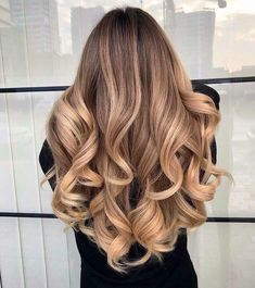 Discover here the Best Ideas of Balayage Hairstyle for Long Wavy Hair. Just wear this Style and it's time to Inspired the other girls. Hairstyles Best Balayage Wavy Hairstyle for Blonde Girls In 2019 Hairstyles For Receding Hairline, Shaved Side Hairstyles, Easy Hairstyles, Long Wavy Hairstyles, 1980s Hairstyles, Hair Vector, Instagram Hairstyles, Brown Blonde Hair, Natural Blonde Balayage