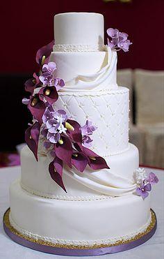 elegant calla lily wedding cakes with purple flowers Purple Wedding Cakes, Amazing Wedding Cakes, Elegant Wedding Cakes, Wedding Cake Designs, Wedding Cake Toppers, Diy Wedding, Wedding Ideas, Pretty Cakes, Beautiful Cakes