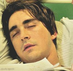 The Fall ~ Lee pace sleeping. Watching this makes you understand why stalker and creepy obsessive ppl exist. Hot Actors, Actors & Actresses, Perfect Man, A Good Man, Keanu Reeves Life, The Fall 2006, Lee Pace Thranduil, Pushing Daisies, Just Beautiful Men