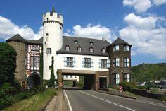 Burg Von der Leyen (Kobern-Gondorf/Mosel) -Hauptburg Straßenseite- von Mohr Wilfried