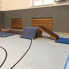 Hello my dears! I got the idea for this setup from Di . - Hello my dears! I got the idea for this setup from Tue … – Petra Heiss – - Parenting Goals, Parenting Styles, Gentle Parenting, Kids And Parenting, Toddler Gym, Toddler Sports, Kids Sports, Parent Tattoos, Backyard Trampoline