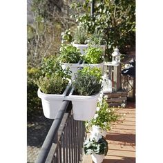 The balcony railing planter pots, along with the shelf base, use a wire measuring Wire tied with an iron frame using a clamp. Wire holes function as gaps, to drain water from pots or rainwater. Arrangement of potted plants provides many conveniences. Balcony Railing Planters, Diy Planters, Garden Planters, Planter Pots, Planter Ideas, Deck Railings, Herb Garden, Balcony Gardening, Growing Flowers