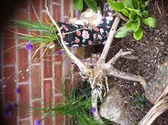 Reuse old worn out boots/wellingtons as funky garden planters...... Use hedge/ tree cuttings to make weird garden art & make your neighbours/visitors even the posty smile