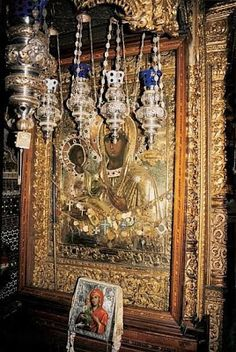 Tricheirousa Icon of the Mother of God, Hilandar Monastery, Mount Athos, Greece Byzantine Architecture, Christian World, The Rite, Byzantine Icons, Holy Mary, Blessed Virgin Mary, Madonna, Orthodox Icons, Blessed Mother