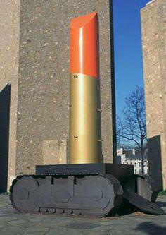 Claes_Oldenburg : bâton de rouge à lèvres monté sur chenille