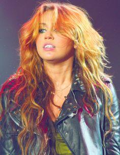 cyrus anus Miley nu
