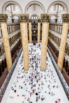 snarkitecture convierte el National Building Museum en un 10,000 pies cuadrados bola hoyo hasta septiembre 2015