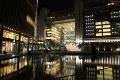グランフロント大阪から見たノースゲートビルディング夜景