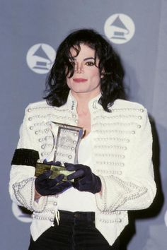 michael jackson at the grammy awards in 1993 | Michael Jackson at the The 35th Annual GRAMMY Awards held at the ...