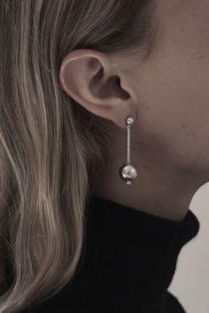 SUZANNE EARRING Jewelry - sophie Buhai Photo - kayten Schmidt Model - z berg Y