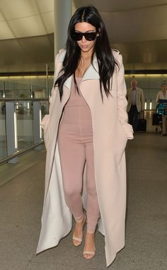 Celebrity Street Style Picture Description 15 Times Kim Kardashian Looked Bomb As Looks Kim Kardashian, Estilo Kardashian, Kardashian Style, Kim Kardashian Pregnant, Kendall Jenner Outfits, Pregnancy Wardrobe, Pregnancy Style, Maternity Wardrobe, Second Pregnancy