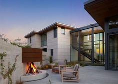 ideen fr mini sitzgruppe mit feuerstelle terrasse mit sichtschutzmauer aus beton - Moderne Dachterrasse Unterhaltungsmoglichkeiten