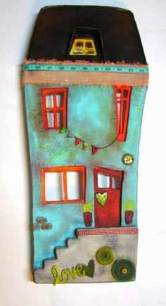 Buttons would be cute on a peg doll house for decor. Diy Clay, Clay Crafts, Wood Crafts, Diy And Crafts, Arts And Crafts, Clay Houses, Ceramic Houses, Clay Projects, Projects To Try
