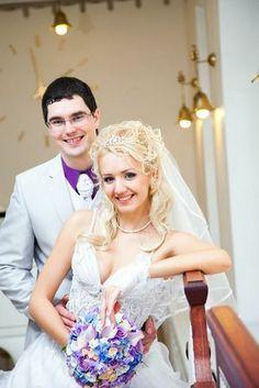 фиолетовая рубашка у жениха