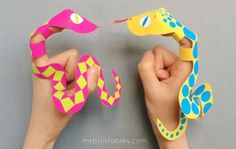 Snake finger puppets for children and loads of fun