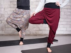 Check out our sewing & needlecraft selection for the very best in unique or custom, handmade pieces from our shops. Yoga Pants Outfit, Pink Yoga Pants, Harem Pants, Yoga Fashion, Diy Fashion, Yoga Pants Pattern, Sewing Pants, Free Sewing, Hot Pink