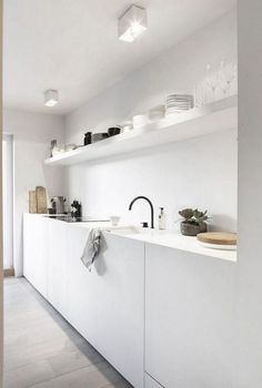 60 Amazing Tiny House Kitchen Design Ideas - Page 58 of 64 White Interior Design, Interior Design Kitchen, White Kitchen Designs, Black Kitchens, Cool Kitchens, Tiny House Kitchens, Küchen Design, Design Ideas, House Design